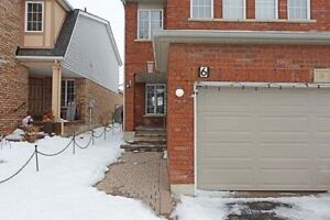 Immaculate 3+2 Bdrm In  Very Convenient Location Of Brampton