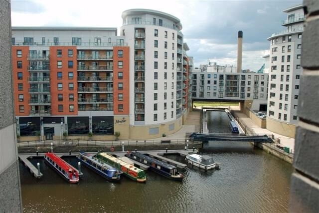 Luxury One Bedroom Furnished 1st Floor Dock Side Apartment To Let In Clarence Leeds City Centre