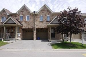 GORGEOUS UPGRADED 3 BDRM TOWNHOME IN THE HEART OF ERIN MILLS