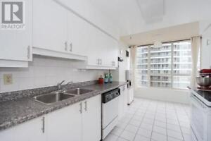 Stunning And New,2+1Beds,2Baths,55 ELM DR, Mississauga