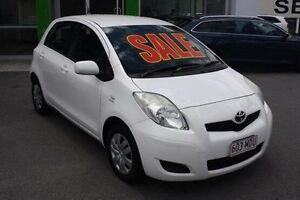 2010 Toyota Yaris NCP90R MY10 YR White 5 Speed Manual Hatchback Mount Gravatt Brisbane South East Preview