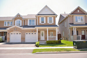 Beautiful town house for rent in Milton- Great location