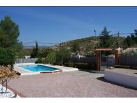 5 bed villa in Spain, swimming pool, large garden, 30 miles from Valencia airport and beaches