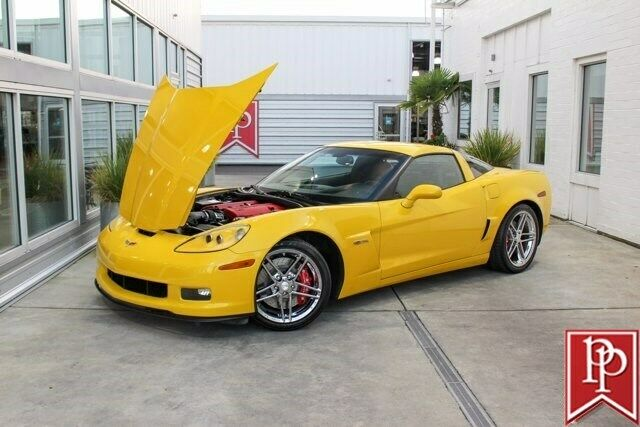 2006 Yellow Chevrolet Corvette Z06  | C6 Corvette Photo 2