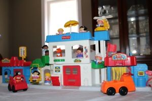 Fisher Price Little People Main Street Playset