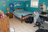 542 Joshephine Ave Large bedroom for rent