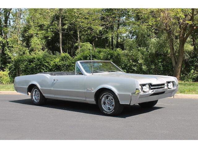 Imagen 1 de Oldsmobile Cutlass silver