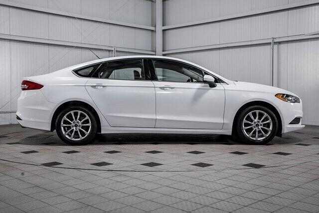 Image 8 Voiture Américaine d'occasion Ford Fusion 2017