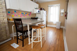 Subletting A Room In a Three Bedroom House ON RICHMOND ROW!! London Ontario image 4