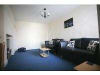 2 bedroom flat in Station Road, South Gosforth, Newcastle Upon Tyne, NE3