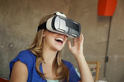 Die Samsung Gear VR ist erhältlich, ein Smartphone wird benötigt (SamsungTomorrow (CC BY-NC-SA 2.0))