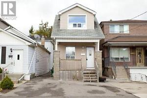 ** Detached Renovated 3 Bedroom Thats Steps To The Danforth **