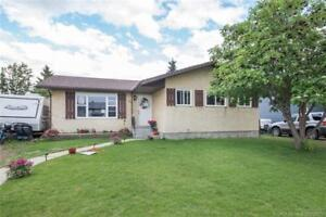 Lacombe: REDUCED, $264K, 4 bed, 3 bth bungalow w/ big yard!
