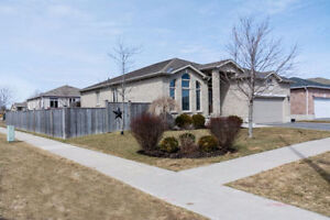 Bungalow with all the Luxurious upgrades and on an upper end Cul
