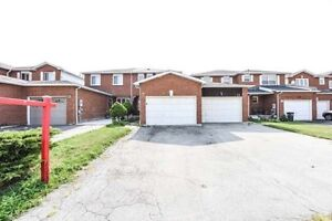 A Great Townhouse 3+1 Bedroom & 4 Washroom W/ Finished Basement