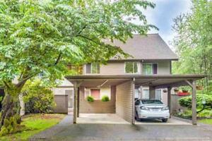 Townhouse For Sale : 8122 Forest Grove Drive