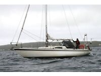 Beautiful 32' Yacht for Sale. Offers Over £10,000