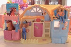Fisher Price Friendship Ponies Family Dollhouse