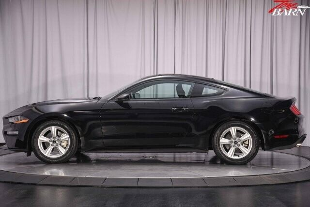 Image 2 Voiture American used Ford Mustang 2018