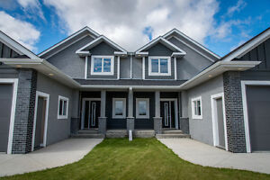 Gorgeous 2-Storey SxS Home on Golf Course OPEN HOUSE WED & SUN
