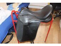 "17.5"" black Thorowgood Griffin Dressage saddle Narrow medium"