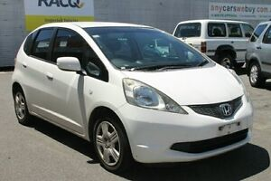 2008 Honda Jazz GE MY09 GLi White 5 Speed Manual Hatchback Bungalow Cairns City Preview
