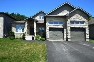 2013 CUSTOM BUILT 4 BED, 3 BATH HOME IS LOVE AT FIRST SIGHT!