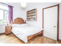 Bright double room £628 , available 1st Nov