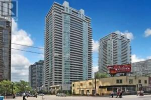 Large Condo, 1+1 Br, 1 Wr, 23 HOLLYWOOD AVE, Toronto