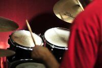Learn how to play drums! Drum Lessons for Beginners.
