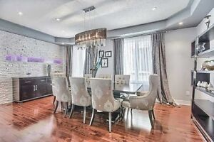 Detached Double Garage House For Lease In Vaughan