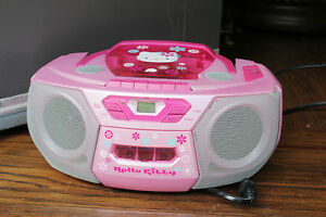 HELLO KITTY PORTABLE CD, RADIO AND CASSETTE RECORDER / PLAYER