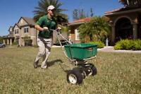 Lawn Cutting / Lawn Mowing / Lawn Care $18-$21 (Experienced)