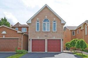 Detach 4Br House Close to Square one Mississauga
