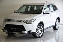 2014 Mitsubishi Outlander ZJ MY14.5 ES 4WD White 6 Speed Constant Variable Wagon Southport Gold Coast City Preview