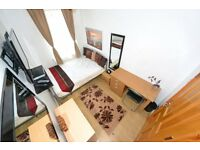 Females only House. Beautiful Room. Olympic Stratford. All Bills WiFi Lounge LCD MODERN Cleaner