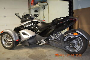 Can Am Spyder- Lady Driven