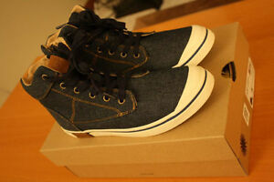 BRAND-NEW UGG Damian Denim Sneaker US Size 5