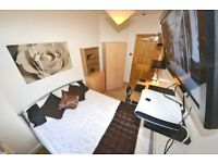 Females only House. Classy stylish Double. Stratford E15 Area nr City WiFi Lounge LCD MODERN Cleaner