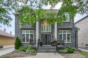MASSIVE LUXURY 5 BEDROOM DETACHED IN IDEAL NORTH YORK LOCATION!!