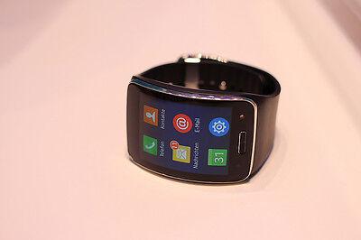 Mit der Gear S kann man auch ohne Smartphone telefonieren (Maurizio Pesce (CC BY 2.0))