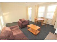 2 Bedroom Flat Near Turnpike Lane. DSS WELCOME