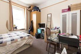 Beautiful 3 double bedroom ground floor garden flat to rent in Cricklewood