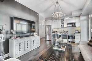 Lakefront Living @ Stunning Jade Condos !Spacious 2Bed w.Prking!