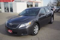 2011 Toyota Camry LE - Carfax 1-owner vehicle.