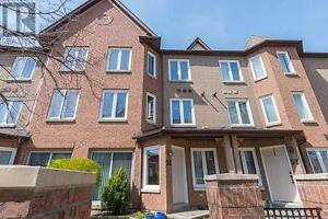 Town-Home, 3+1Br, 3B, 735 NEW WESTMINSTER Drive, Vaughan