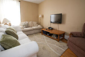 Subletting A Room In a Three Bedroom House ON RICHMOND ROW!! London Ontario image 7