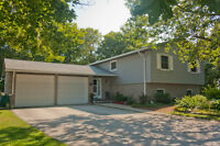 BRIGHT, UPDATED HOME JUST OUTSIDE CITY OF OWEN SOUND