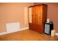 Spacious bright and airy double room for rent in this lovely family home in heart of Catford.