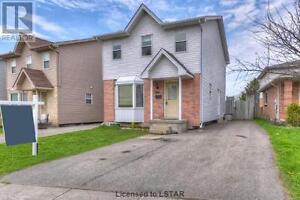 Five Bedroom Single House at Wondlerland & Sarnia For Rent